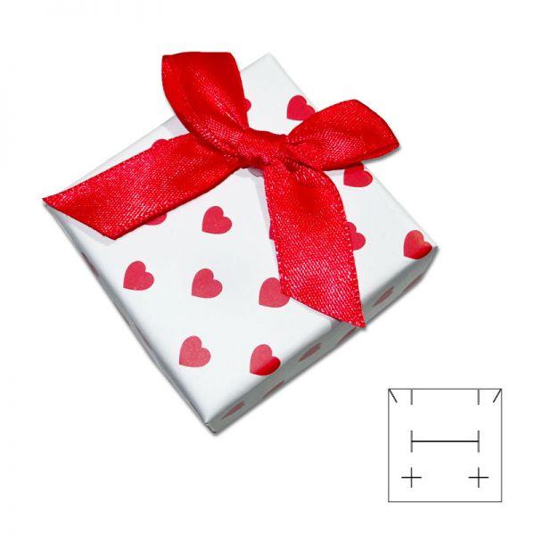 Schmuckschachtel Love weiß mit roten Herzen und Schleife